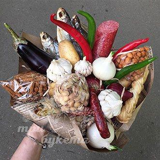 Букет с рыбой и колбасой